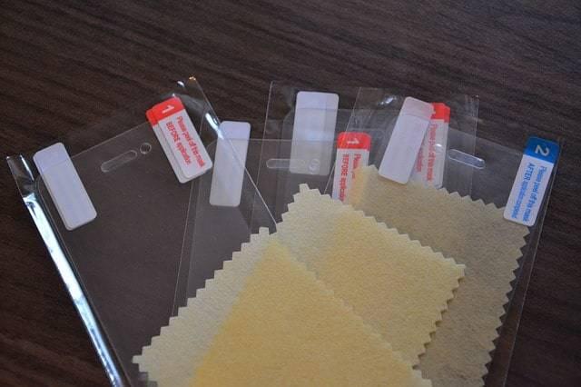 3 verschiedene Schutzfolien für Handys